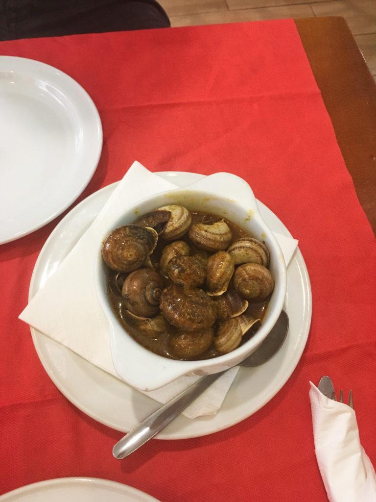 Malaga - Restaurante los Hidalgos Bodegon - místní specialita šneci