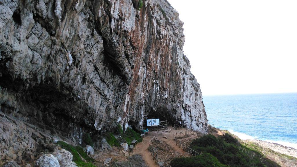 Scurati jeskyně